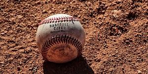 baseball míček
